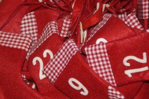 Auch 2016 warten beim Chio.de Adventskalender-Gewinnspiel 24 Preise auf alle Knabber-Freunde: Freuen Sie sich auf Rezepte, Fan-Artikel und Chio Produkte!