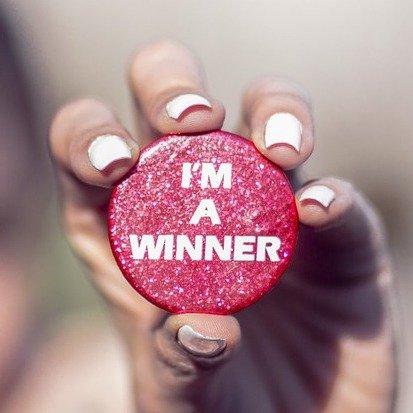 """12 aktuelle Gewinnspiele im Slider - 12 """"kleine Gewinne"""". Freuen Sie sich auf Tickets, Gutscheine, Reisen, Smartphones, Süßigkeiten, Wäsche und Bargeld."""
