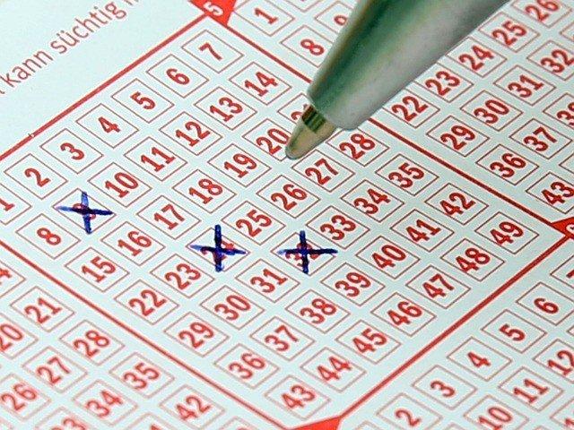 Unser Kooperationspartner Tipp24 hatfür die drei großen Lotterien tolle Angebote, bei denen Neukundennicht nur bares Geld sparen können, sondernumdie großen Jackpots mitspielen.