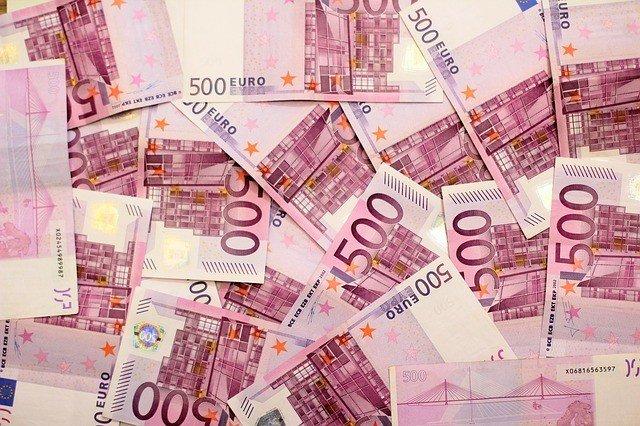 """Nehmen Sie jetzt am OTTO-Gewinnspiel """"Shopping & More"""" teil, und sichern Sie sich mit etwas Glück 5.000 EUR in bar und viele weitere attraktive Preise."""