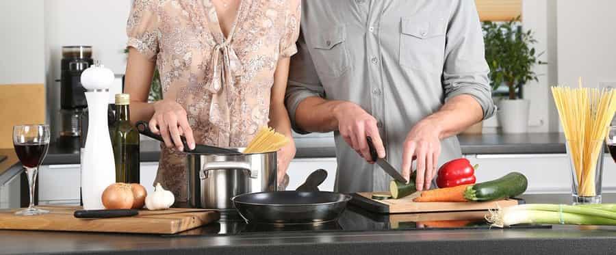 Werden Sie jetzt Gastgeber bei My Home Party, und gewinnen Sie mit etwas Glück eine von insgesamt 5 hochwertigenKrups Cook4Me+ Küchenmaschinen im Wert von je rund 300 EUR!