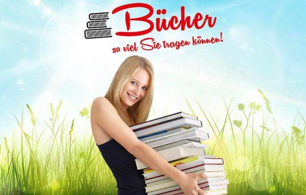 Frau mit Büchern auf dem Arm