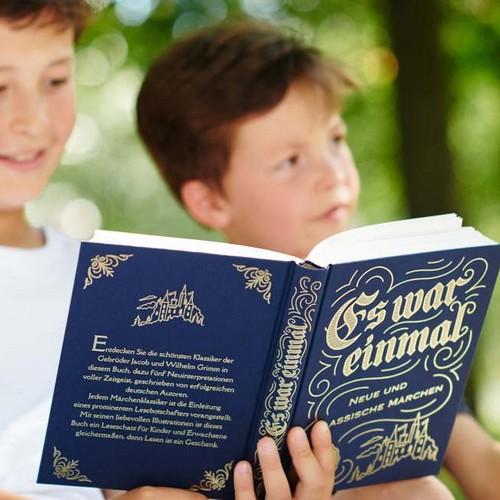 """Buch """"Es war einmal"""" zum Weltkindertag"""