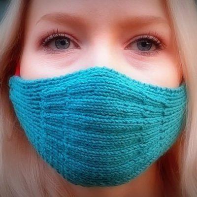 gestrickte Mund- und Nasenmaske